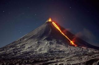 У Росії прокинувся найвищий активний вулкан Євразії