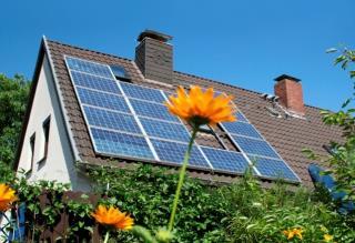 Майже 560 млн євро українці інвестували в сонячні панелі