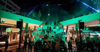 Хутро з коноплі та горілка з Чорнобиля. П'ять еко-проектів, що презентували Україну на тижні дизайну в Нідерландах