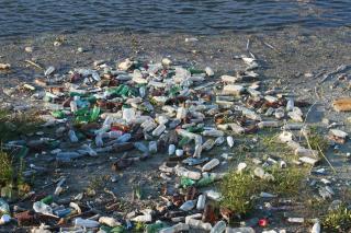 На дні океану лежить більше 14 млн тонн пластику – дослідження